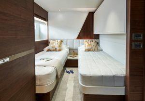 Princess Y85 cabin