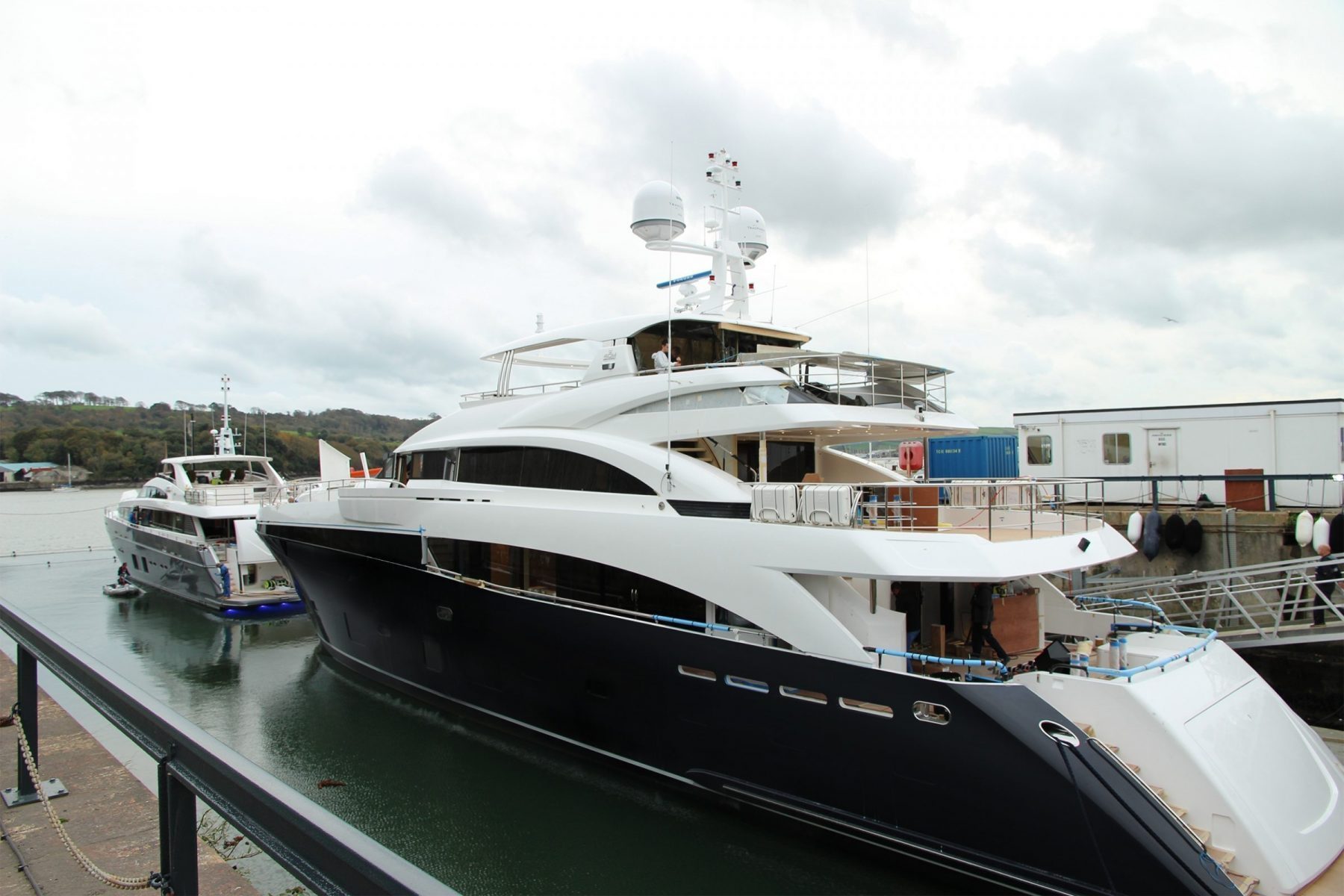 The Princess 40M Was 2013 Winner Of Prestigious World Superyacht Awards And Constitutes Nothing Short A Sublime Expanse Interior Exterior