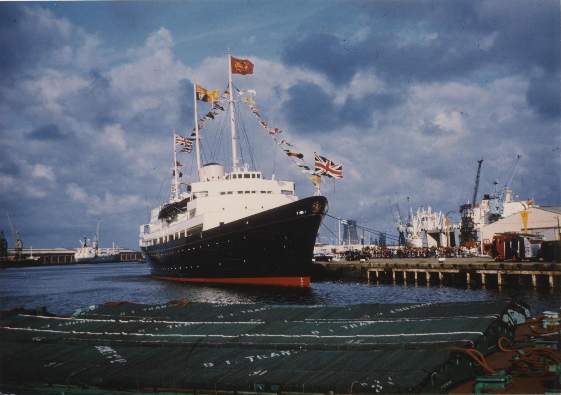 Charter Cable Packages >> Queen Elizabeth and the Royal Yacht Britannia