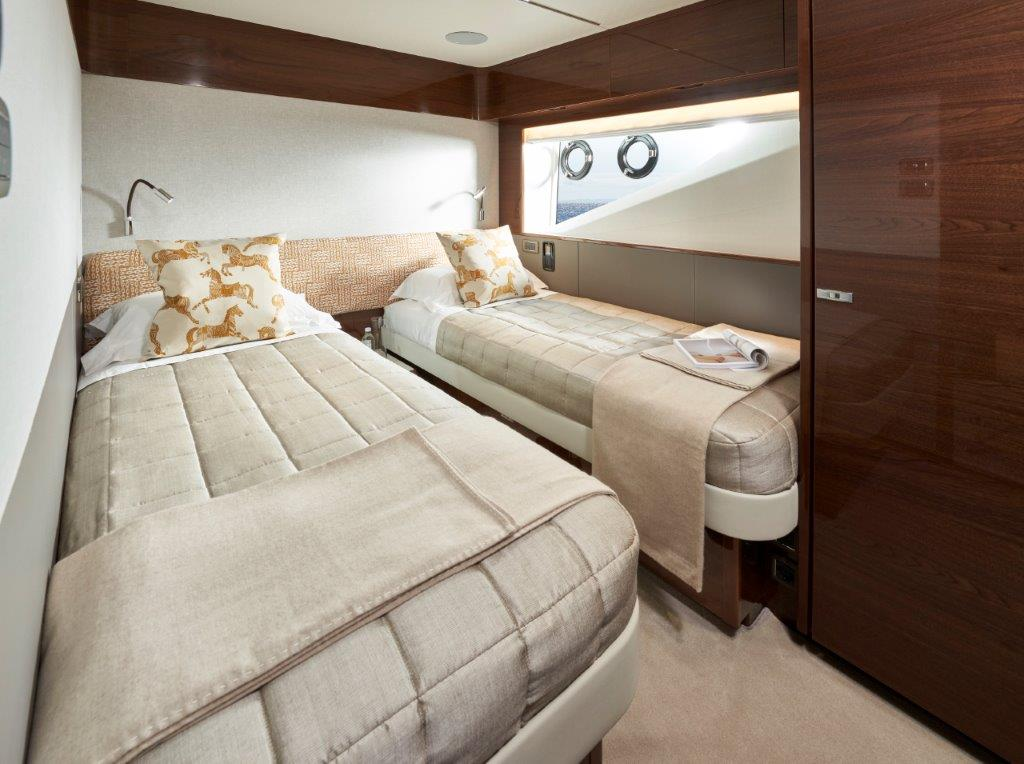 Princess X95 cabin