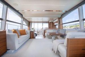 Princess 68 - Main deck saloon